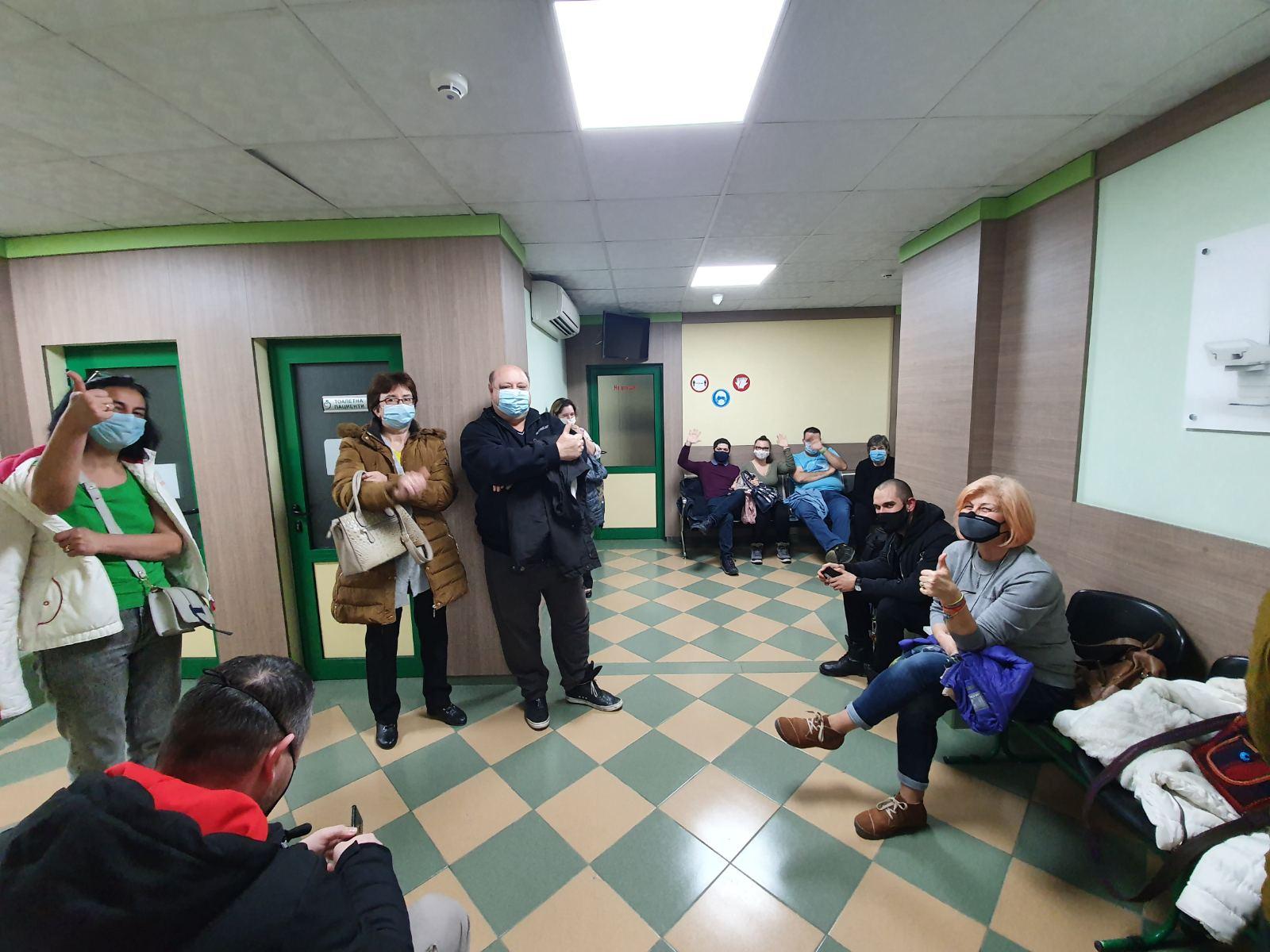 47 души са ваксинира през нощта в денонощен кабинет в Пловдив