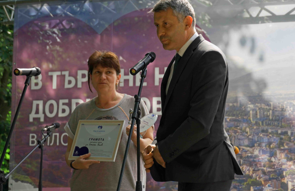 Д-р Никола Криворов от УНГ отделението на УМБАЛ